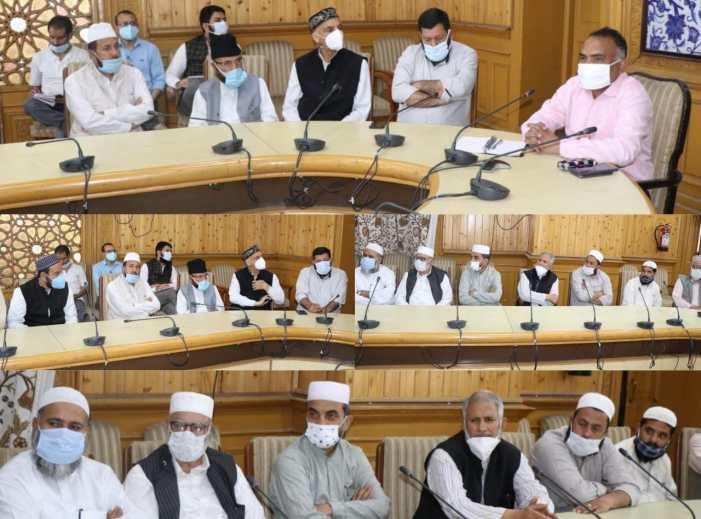 Div Com invokes Imams, Khateebs forCABenforcement in Srinagar