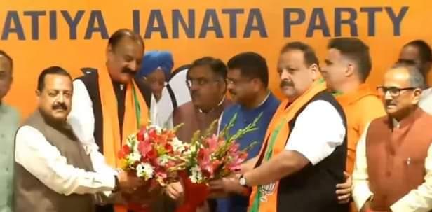 After resigning from NC, Devender Rana, Surjit Singh Slathia join BJP