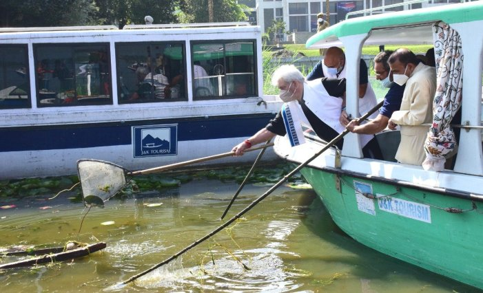 LG Sinha appeals to people to cooperate in cleaning Dal lake