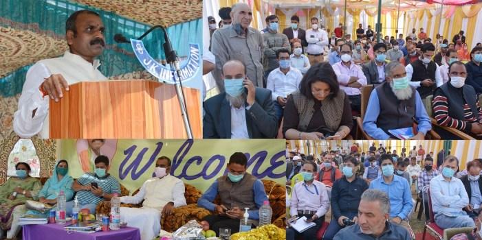 Union MoS Dr. L. Murugan visits Shopian district