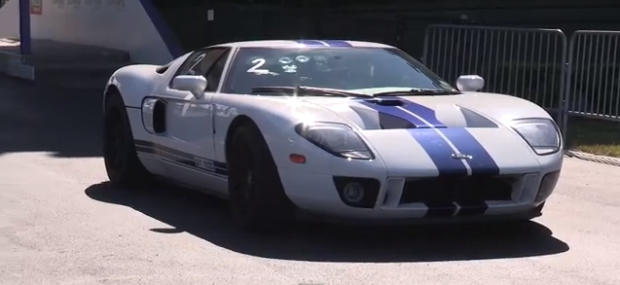 Kick Back Crank Up Your Speakers And Get Rid Of The Monday Blues With This Video Of A Twin Turbo Blown And Nitrous Injected Ford Gt Racing A Single Turbo