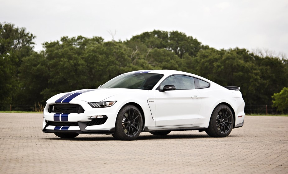 2017 Vs 2018 Mustang >> Shelby Gt350 Versus 2018 Mustang Gt The Driver Mod