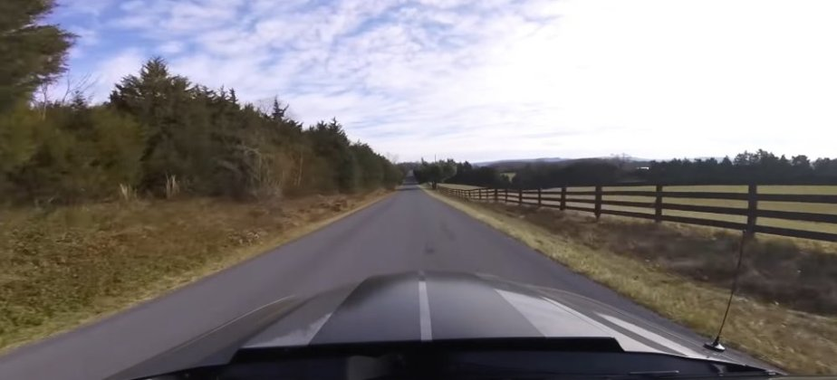 GT500 Mustang Hood Moving