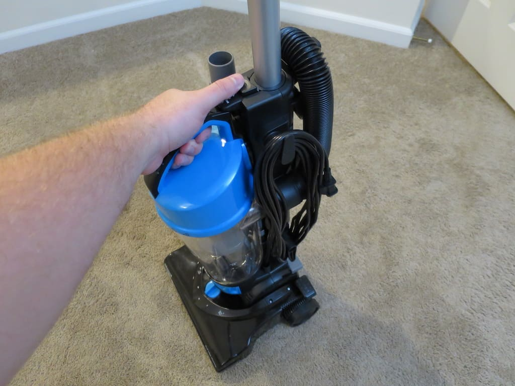 Vacuum Cleaner Making Loud Noises – What to Do? | Them Vacuums