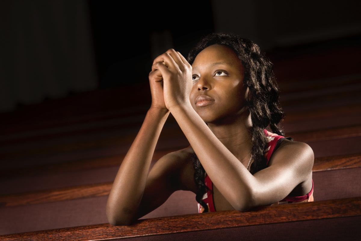 Image result for BEAUTIFUL aFRICAN LADY PRAYING IN CHURCH