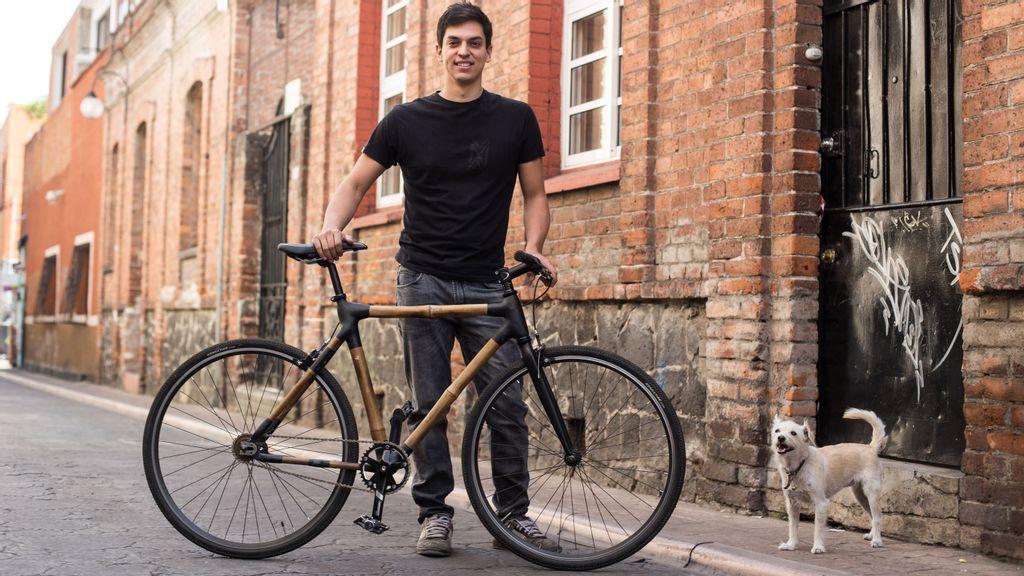Diego Cárdenas es el creador de Bamboocycles, bicicletas hechas de bambú. (Cortesía de Diego Cárdenas)