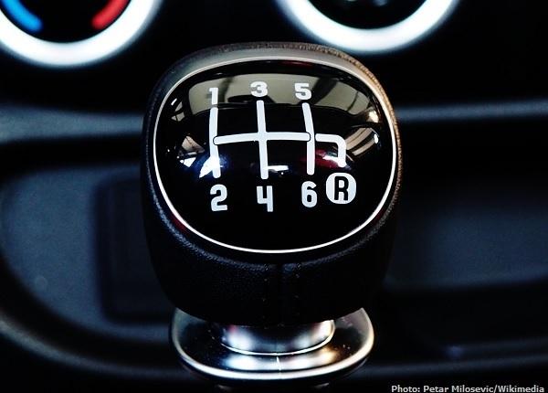 FIAT_500L_gear_shift