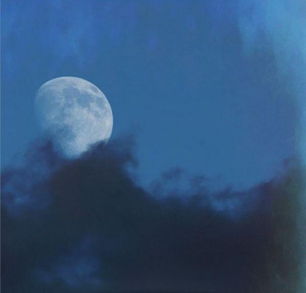 moon-blue-La-Lune-The-Moon-7-27-2015-Patrick-Casaert-sq-e1438256991732
