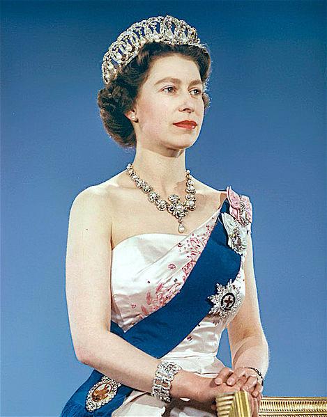 Reine Victoria Et Elisabeth 2 : reine, victoria, elisabeth, British, Crown, Jewels, Queen, Elizabeth, Sapphires