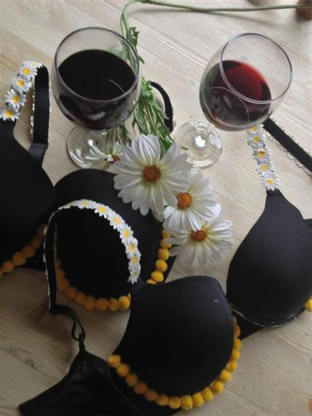 bra decorating with wine