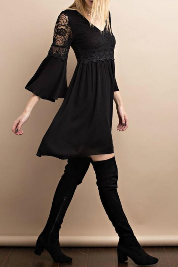 easel-dress