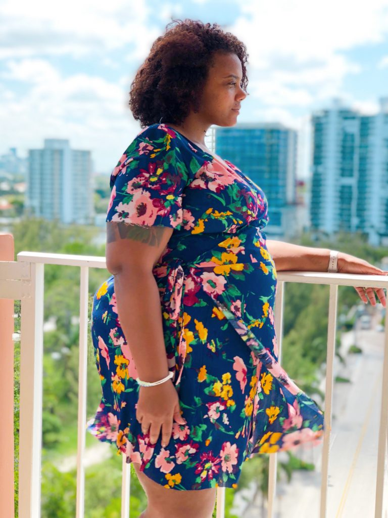 In search of the perfect woven wrap dress? Look no further than the Sunflower Dress from Petite Stitchery. When I tell you this is an amazing dress, I mean it. Talk about perfection!