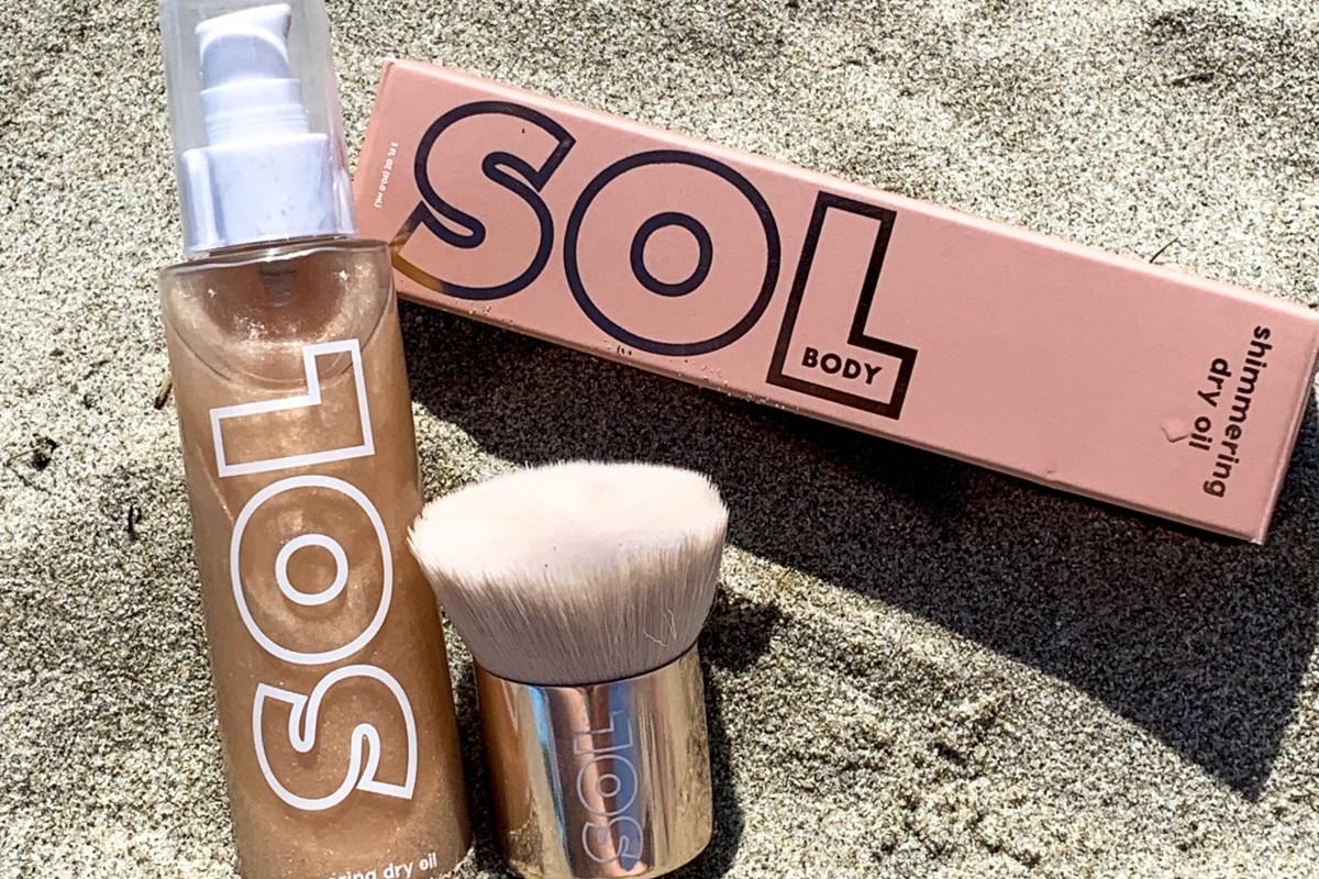 Sol Body Soft Gold Shimmering Dry Oil & Body Kabuki Review