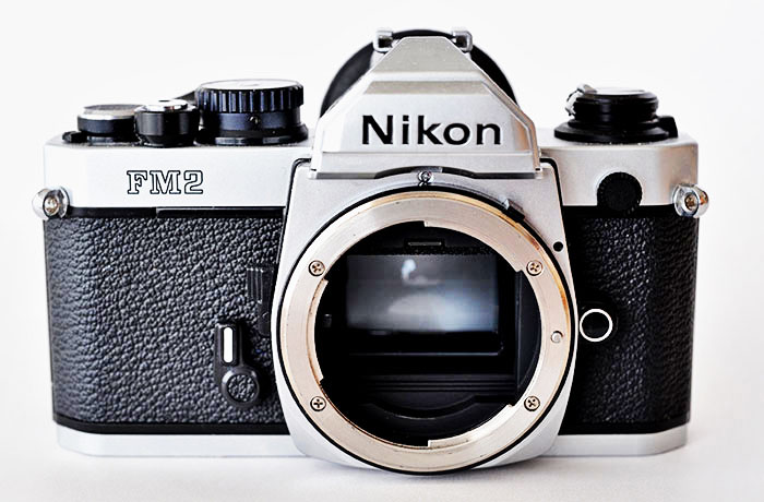 nikon will soon announce a compact dslr camera with nikon d4 full frame sensor and expeed 3 image processor the upcoming camera will feature similar retro