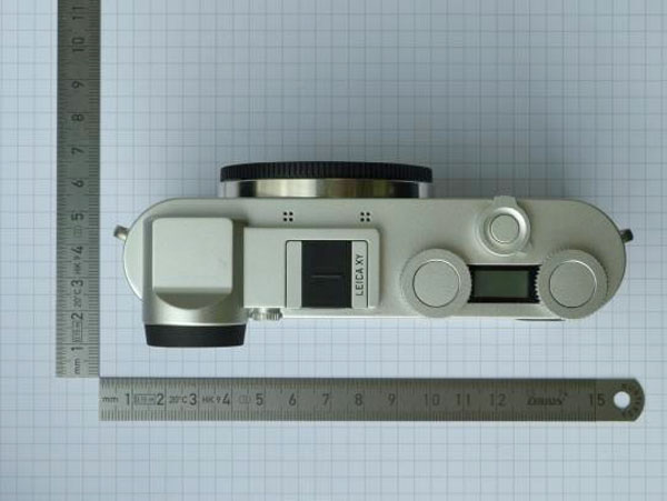 Leica Mirrorless camera image