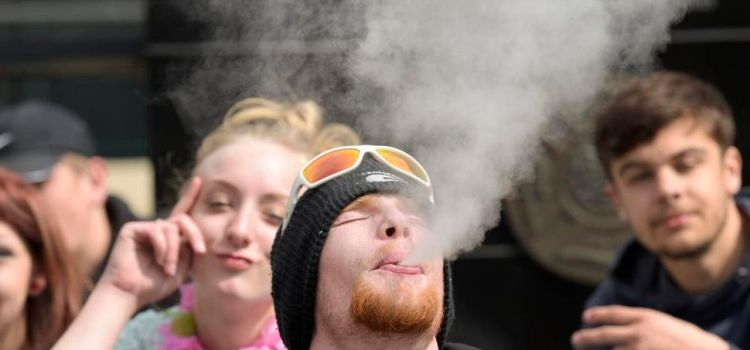 Boston College To Protect Students With Juul Citizenship As FDA Ban Approaches