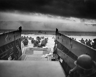 Explore Omaha and Utah Beaches with The National WWII Museum's D-Day Tour