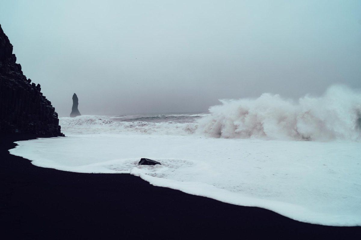 Black beach IJsland roadtrip