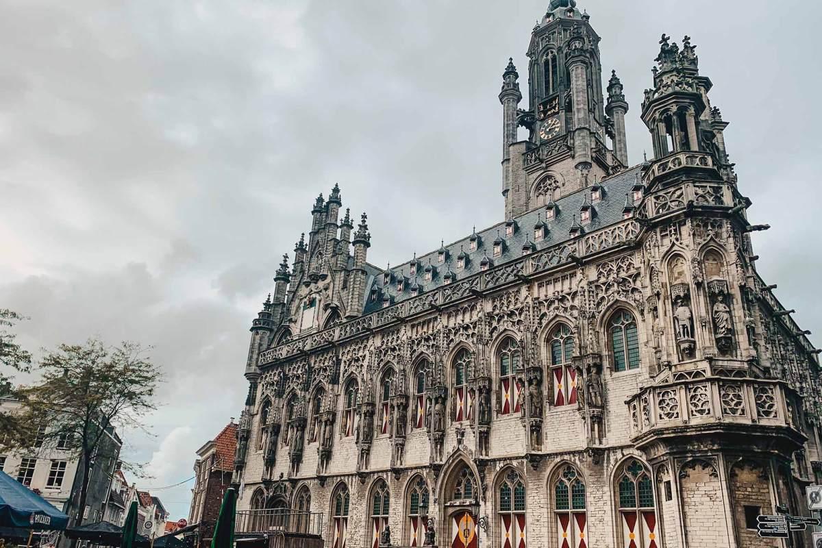 Stadhuis Middelburg bezoeken in Zeeland