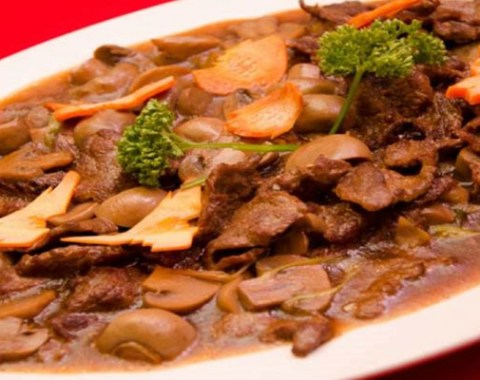 Beef with Button Mushroom