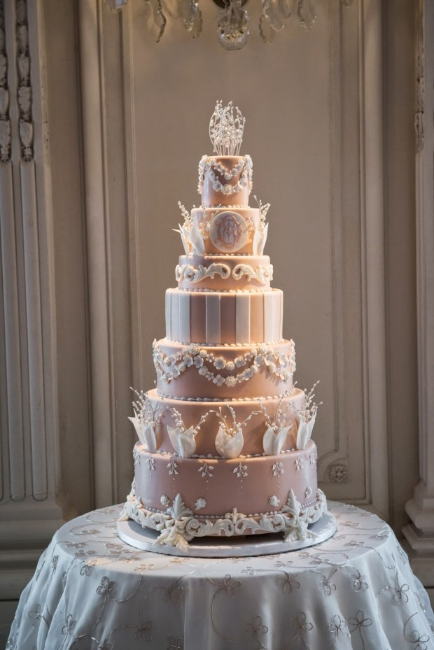 Insider Take on 2016 Cake Trends | The Newport Bride