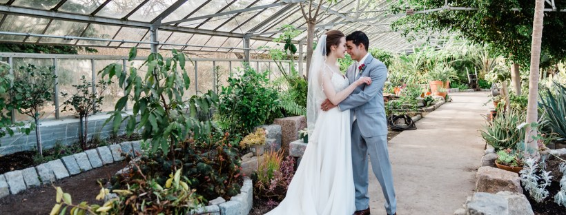 Kelly And Marvin S Tropical Wedding At The Providence Botanical
