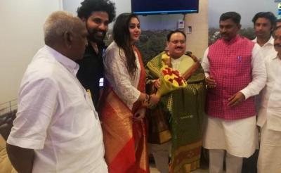 Actress Namita Joins BJP