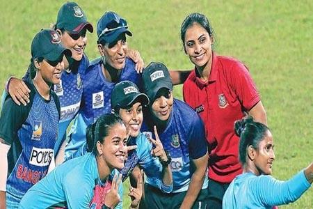 https://thenewse.com/wp-content/uploads/Bangladesh-womens-cricket-team.jpg