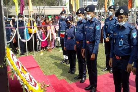 https://thenewse.com/wp-content/uploads/Faridpur-Police-day-21_1.jpg