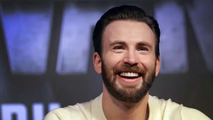 Chris-Evans-laughing.jpg