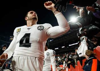 raiders'-derek-carr-'safe'-for-2020:-report