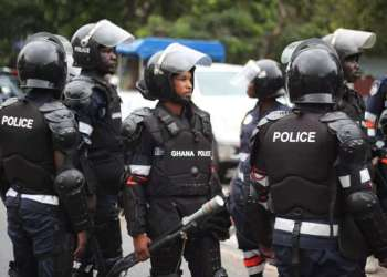 Police kill one armed robber, hunts for 7 accomplices
