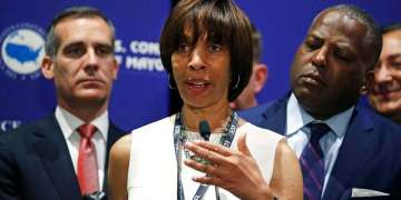 Prosecutors recommend nearly 5-year sentence for ex-Baltimore mayor in 'Healthy Holly' scandal