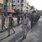 इंदौर: थोक कारोबारियों को माल भेजने की इजाजत, आम आदमी की गतिविधियों पर रोक, बेवजह निकले तो सीधे जेल भेजा जाएगा