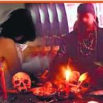 करोड़ों कमाने का लालच देकर लड़कियों से निर्वस्त्र पूजा करवाने वाला पकड़ाया