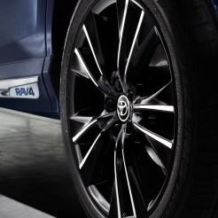 Toyota RAV4 Hybrid Sapphire wheel
