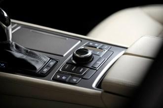 2017 Genesis G80 Overview luxury car gear shift