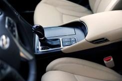 2017 Hyundai Azera sedan model overview gear shift