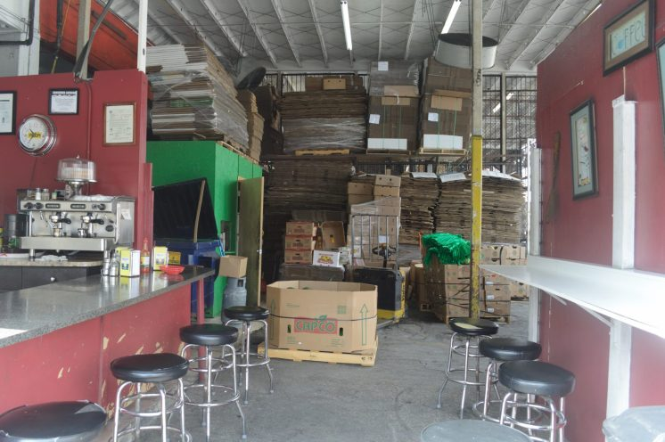 La Flaca Cafeteria shares its space with the produce warehouse. (Credit: Mario Ariza/The New Tropic)
