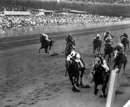 A horse race in progress at Hialeah Park in 1963. (State Archives of Florida, Florida Memory)