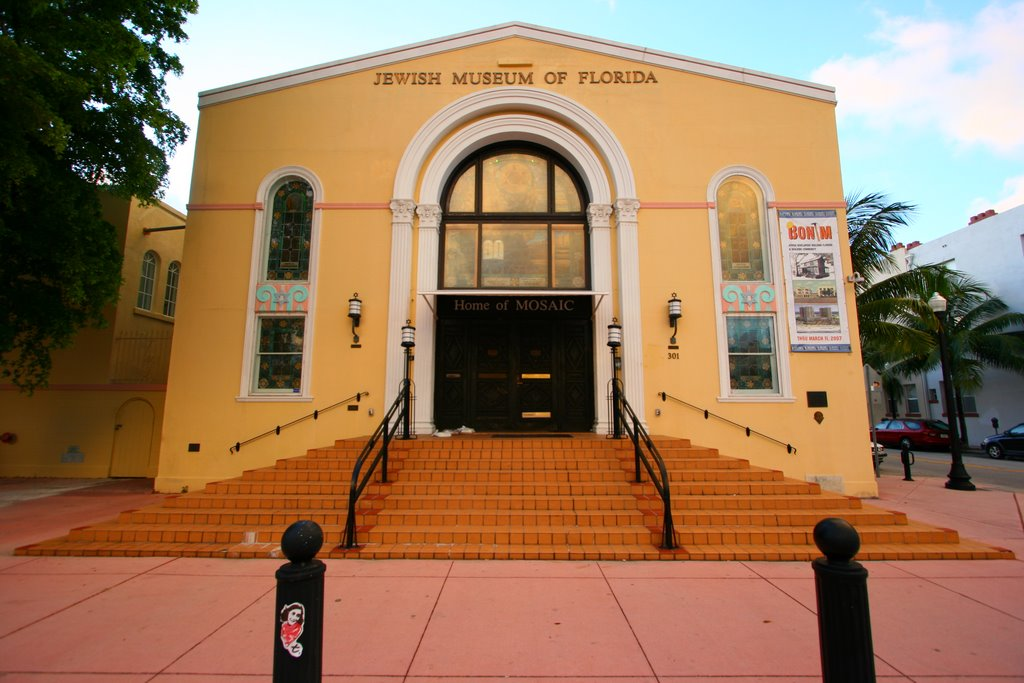 The Jewish Museum of Florida in South Beach is the historic site of a former synagogue. (Courtesy of alesh houdek/Flickr)