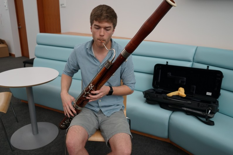 How the bassoon is played.