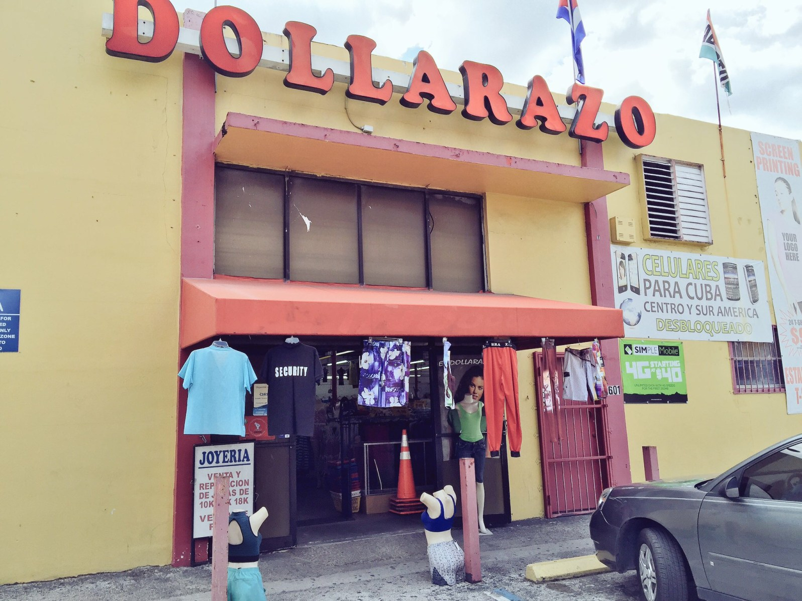 In 1998, when dollar stores where gaining in popularity, Blanco opened El Dollarazo to sell sundry dollar items. (Courtesy of Maria de los Angeles)