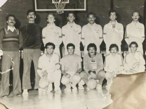 Tamar with his basketball team in Syria