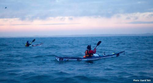 Sarah Outen Kayaking (Photo: www.davidtett.com)