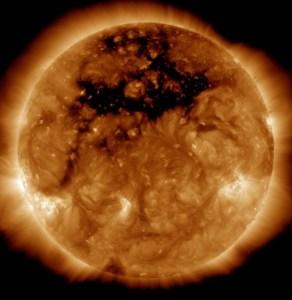 sun-coronal-hole-giant