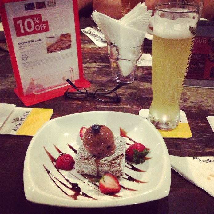 Great beer and amazing dessert during a dinner with my presentation panel