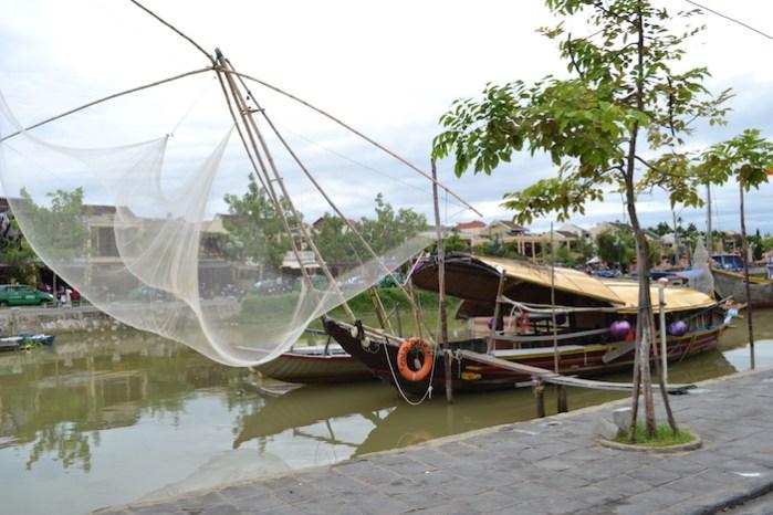 Barca de pesca en Hoi An
