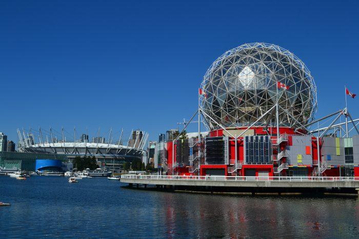 Estadio Olímpico y Museo de Ciencias en Vancouver