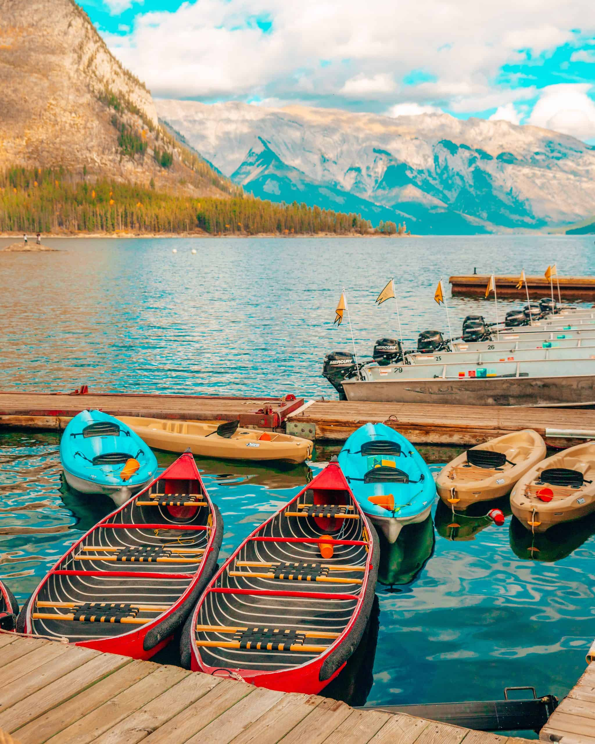Canoes at Lake Minnewanka